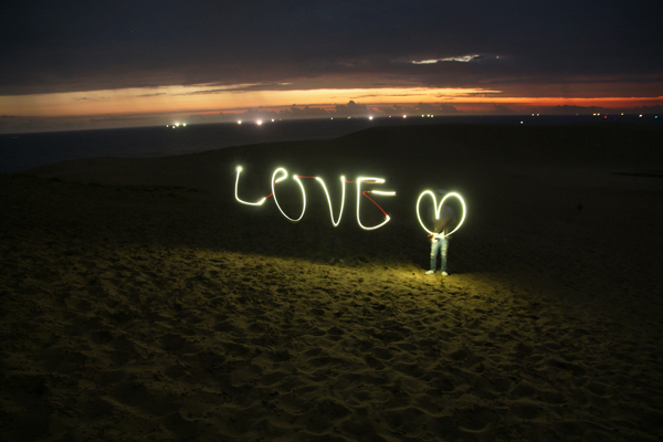 砂丘でLOVE